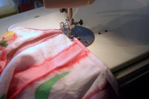 dsc_0028-sewing-neck-hem